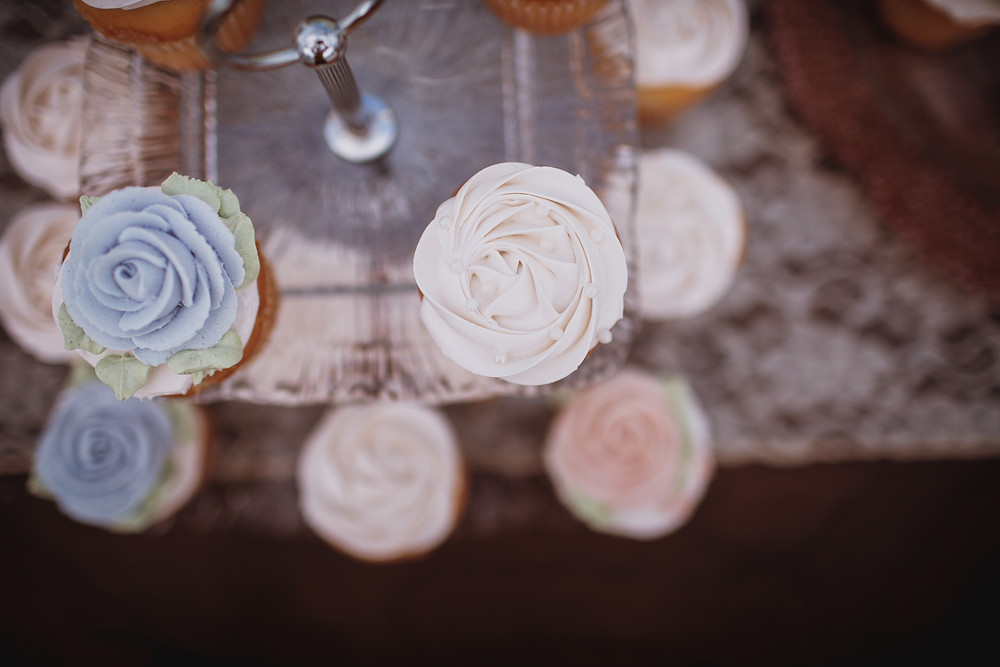 Light pink and light blue wedding cupcakes