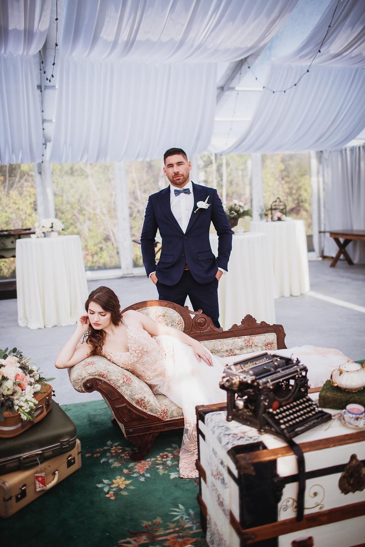 Fall bride and groom inspo