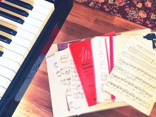 ピアノの練習♫