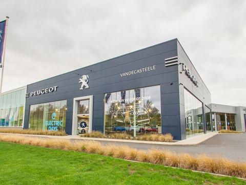 Vandecasteele Kortrijk showroom Peugeot