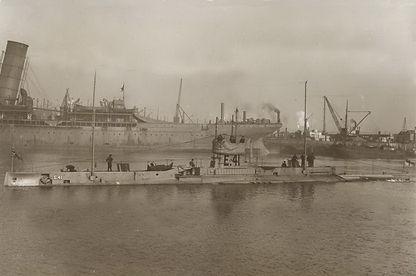 E41 Submarine.jpg
