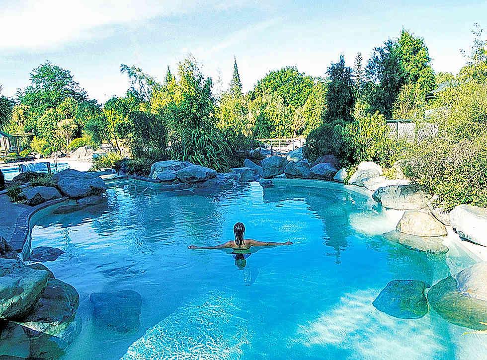 Hot-pools-relaxing-design.jpg