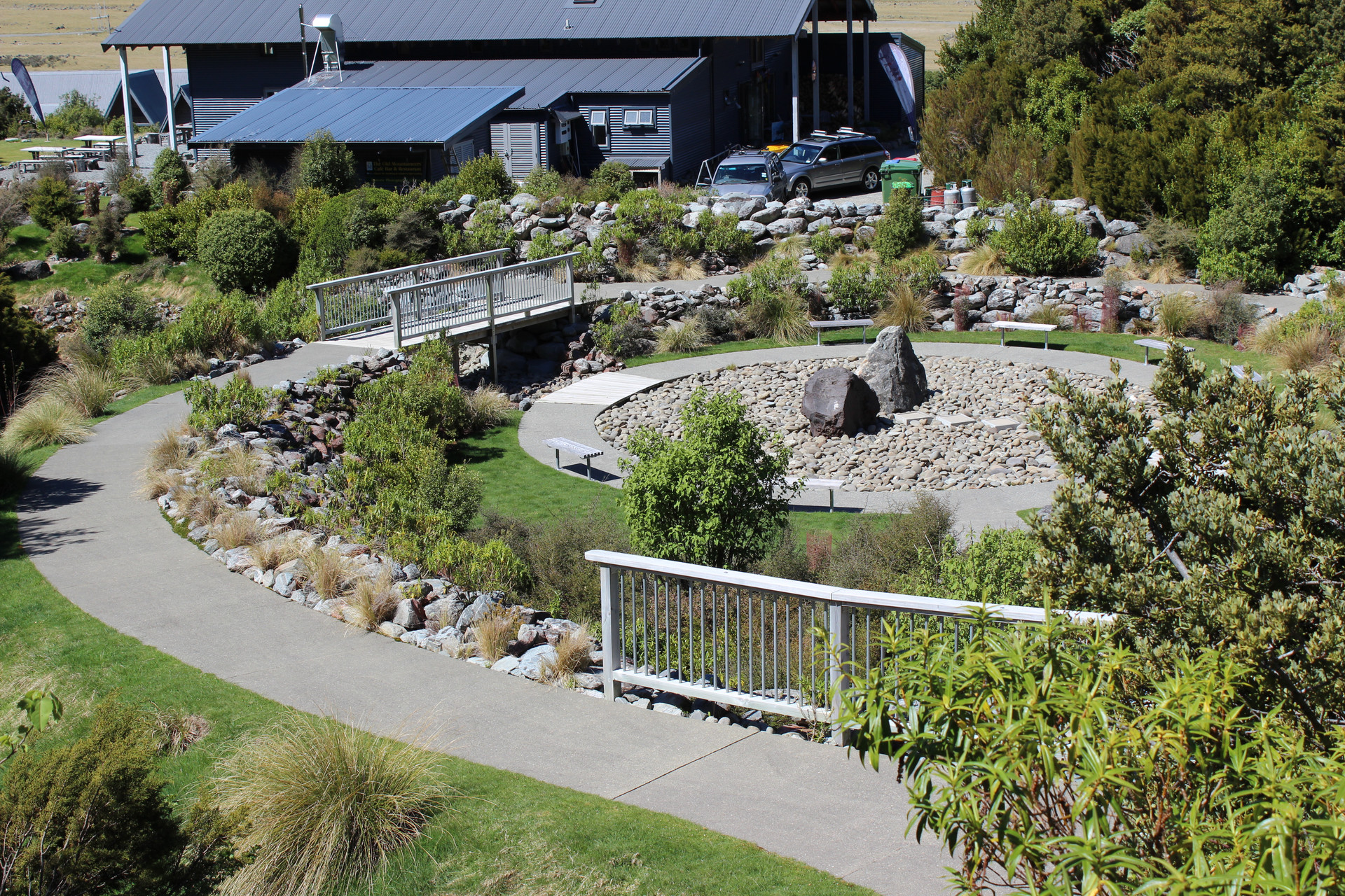 landscape courtyard and garden design at mt cook visitor centre