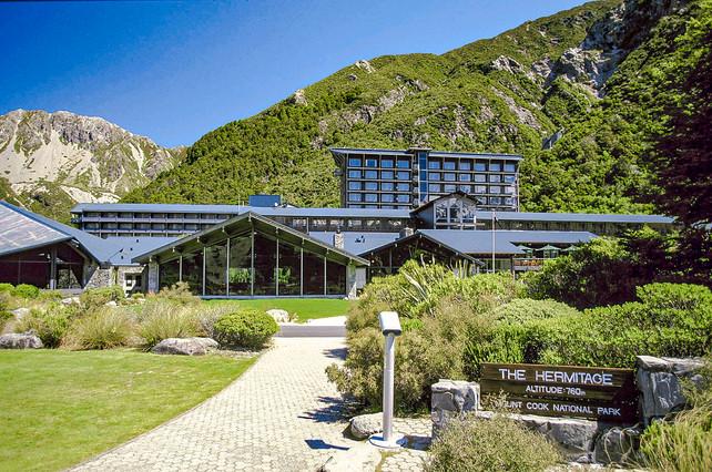 Mount-cook-hermitage-entrance-landscape.JPG