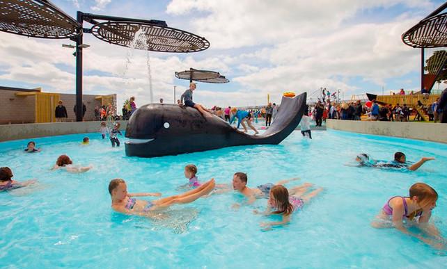 Landscape design og Whale Pool area at New Brighton splash park