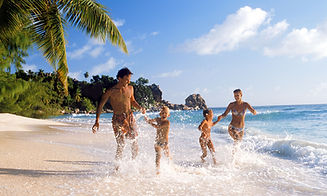 A-family-on-holiday-in-th-014.jpg