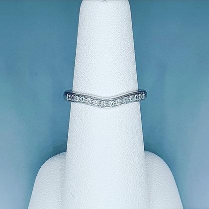 Diamond curved half eternity ring