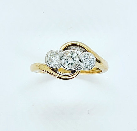 Diamond trilogy ring