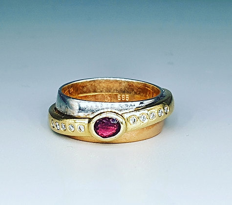 Ruby and diamond band ring