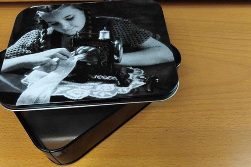 scatola per cucito vintage cm.17.5x14 h. cm.4 adatta anche per piccoli oggetti