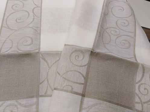 Centrotavola in 100% lino con tela aida cm. 86 x 86