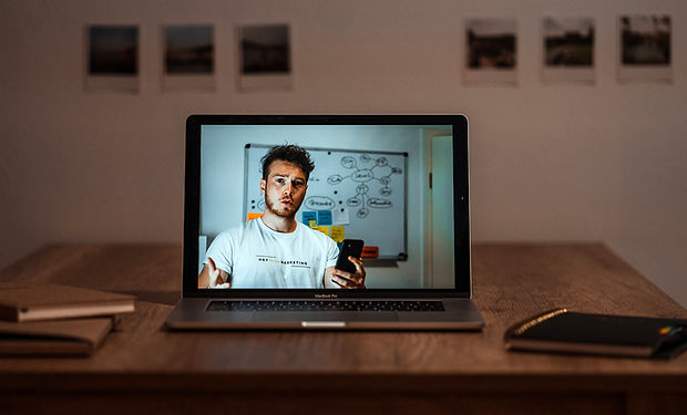 Online-Videokurse. HEY Media Marketing by Tom Williger. Social Media Marketing mit dem Smartphone.
