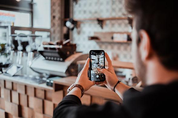 HEY Media Marketing. Help to exceed yourself. Social Media Marketing, Fotografie und Video mit dem Smartphone by Tom Williger.