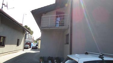 Pohľad na balkón jednoizbového bytu.jpg