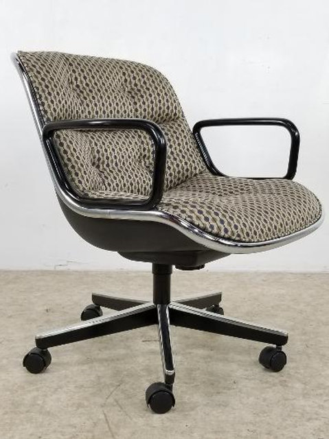 Mid century classic Knoll by Charles Pollock office chair