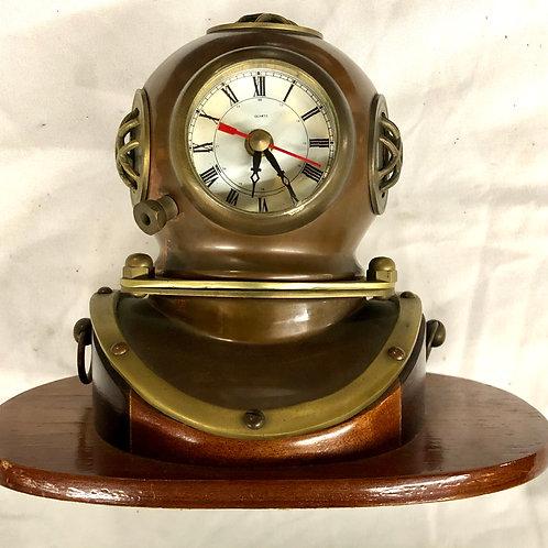 Diver Helmet Clock