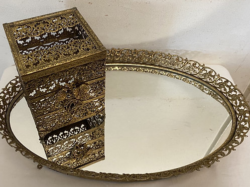 Oval Dresser Tray with tissue holder
