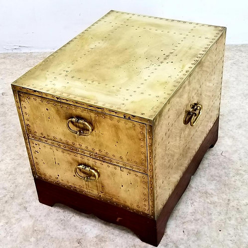 Vintage Sarreid Brass trunk footlocker coffee table Made in Spain