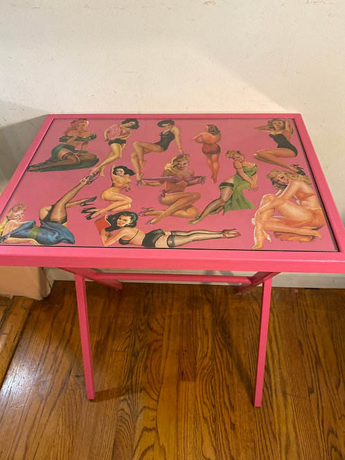 Pin Up Table with Glass Top