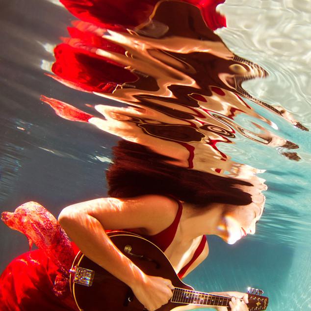 2010_11-10AkariMauiUndewater800.jpg