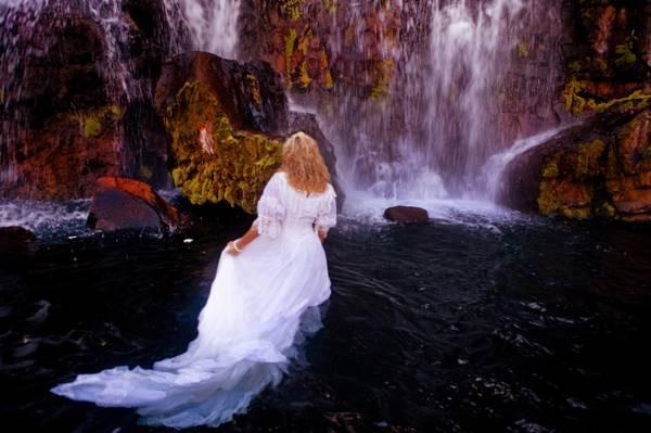 MauiTrashTheDress1.jpg