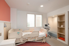 6_Inpatient Medical Bedroom.jpg