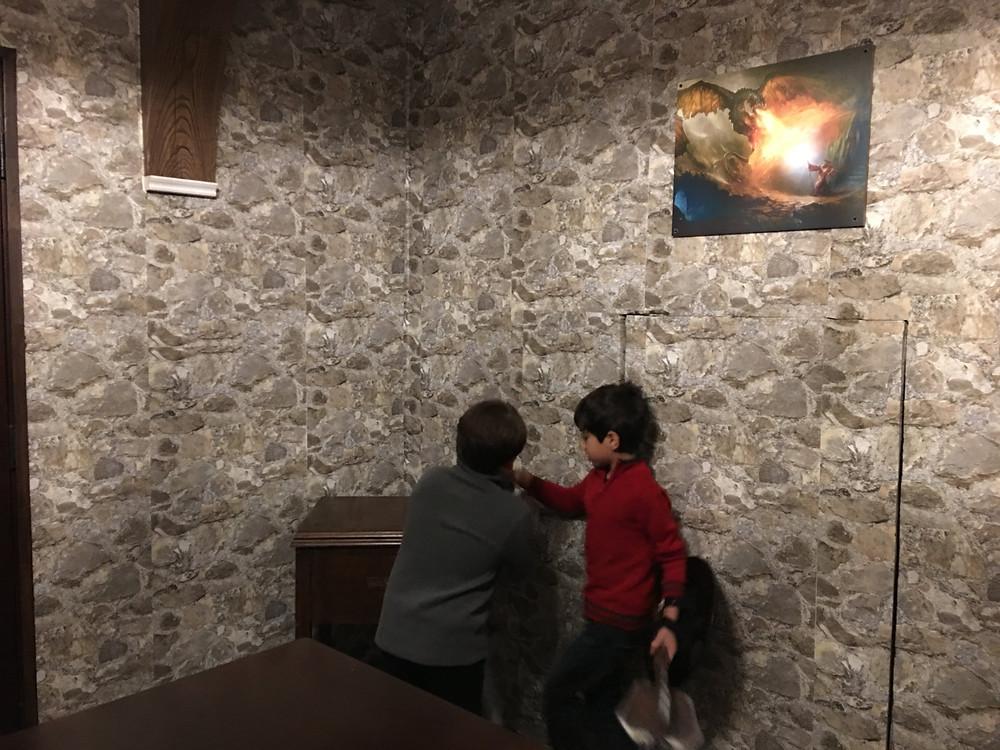 LA ESCAPE ROOM - LA DRAGON STUDIOS - FUN WITH KIDS IN LA