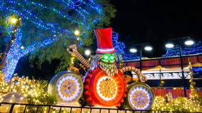 Six Flags Magic Mountain's Holiday in the Park Drive-Thru Experience!