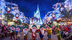 12 Great Tips to Save Money on California Theme Parks During the Holidays!