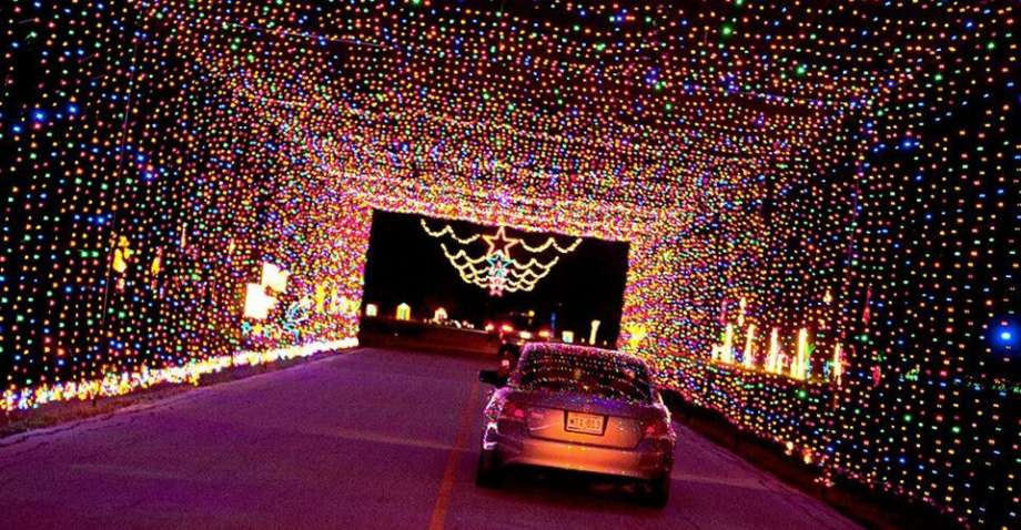 Christmas and Holiday Drive Thru Events And Experiences 2020