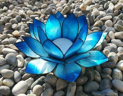 Lotus-Teelichthalter, nachtblau mit Silberrand