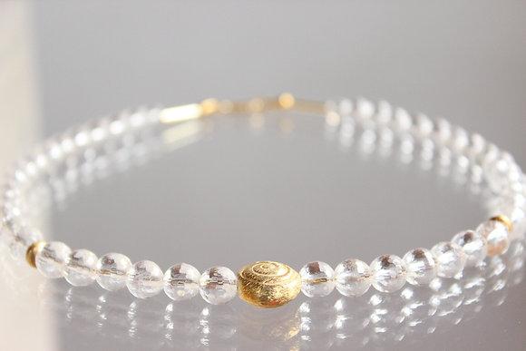 Wunderschönes Bergkristall-Collier mit Goldelementen