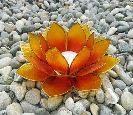 Lotus-Teelichthalter, gelb mit Goldrand