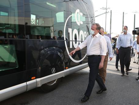 ΣΥΡΙΖΑ: «φιγούρα» Καραμανλή με το ηλεκτροκίνητο λεωφορείο