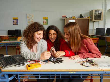 20 εκατ. θα επενδύσει η Vodafone σε προγράμματα για μαθητές