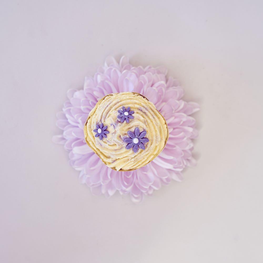 Cupcake on flower base