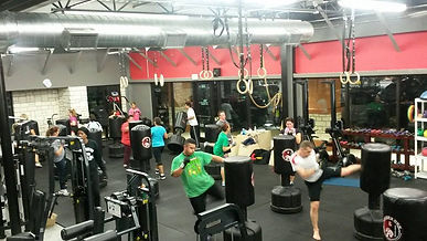 V12 Sports and Fitness Kickboxing Classes