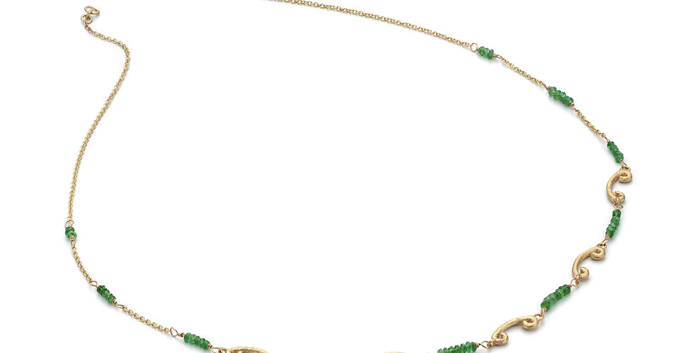 9ct yellow gold necklace with garnet tsavorite beads