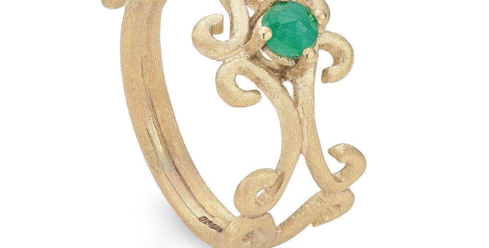 9ct yellow gold ring with mossy emerald
