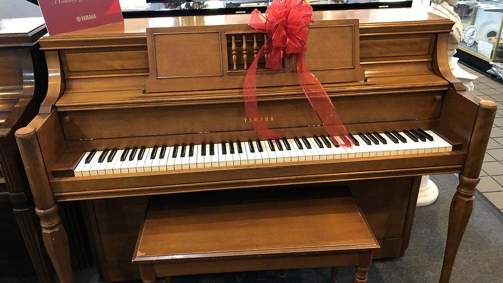 Used Yamaha Console Piano