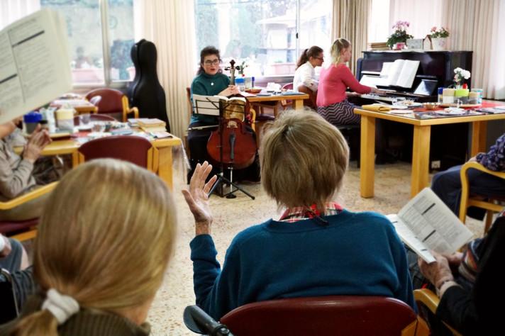 PicsArt_02-18-11.12.10.jpg