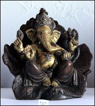 Statue Ganesh assis dans un lotus Bronze N163