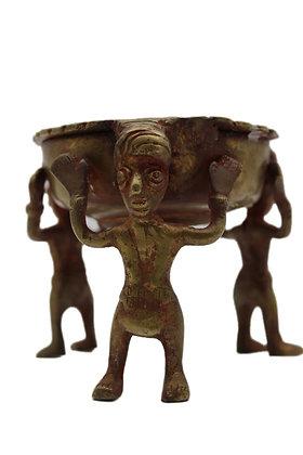 Objet Pot tripode 3 hommes dhokra Bronze N362