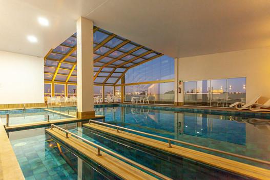 piscina axten.jpg