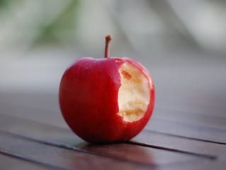 Siempre pensé que el fruto con el que Adam pecó era una manzana…