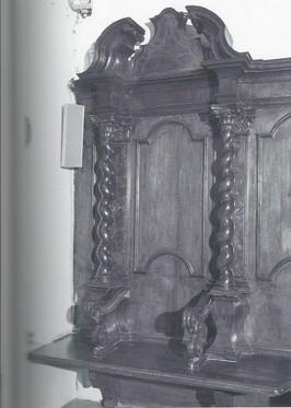 La Chiesa - Sedia Curule (Media).jpg