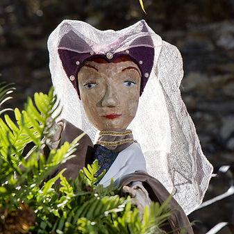 marionnette_Jeanne de Laval_ Julievousgu