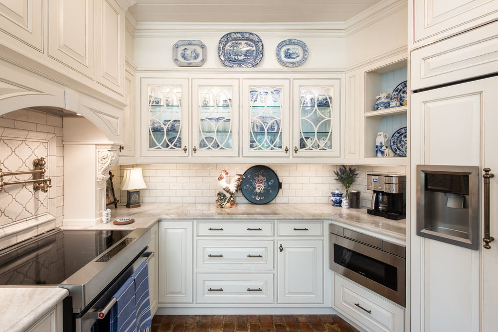 English Traditional Kitchen  ​