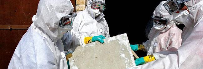 workers removing asbestos11.jpg