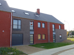 Ensemble de 11 habitations